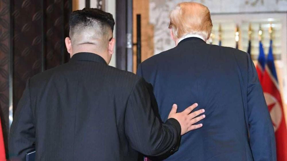"""ترامب """"يحب"""" زعيم بيونغ يانغ.. وسيلبي رغباته"""