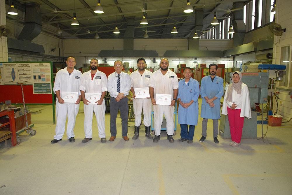 معهد البحرين للتدريب يدرب موظفي (ميناس) على أساسيات اللحام والفبركة