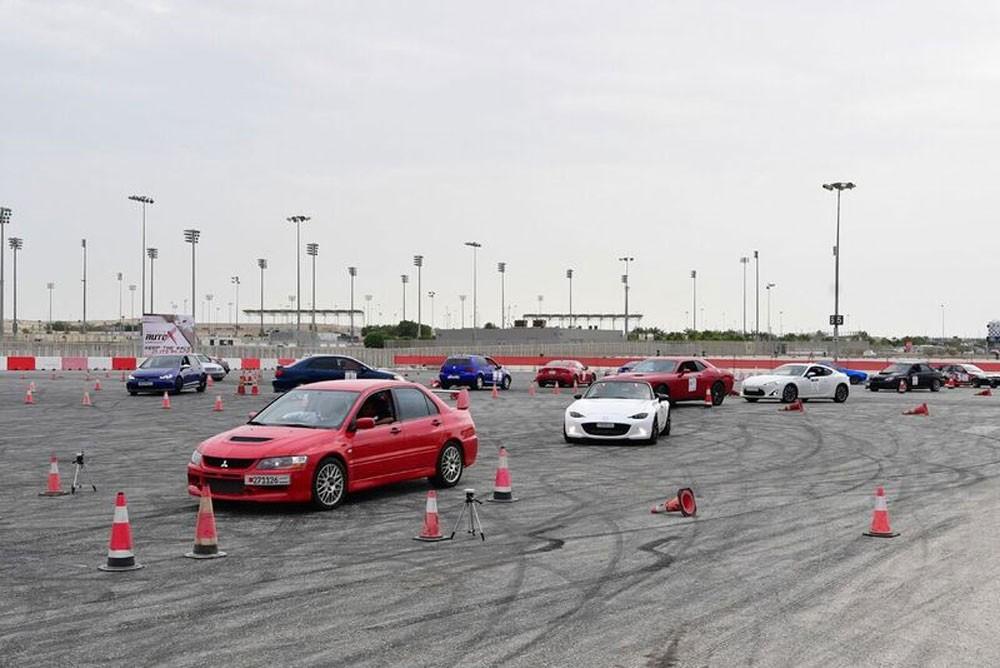 اتحاد السيارات ينظم ثاني سباقات (أوتوكروس البحرين)