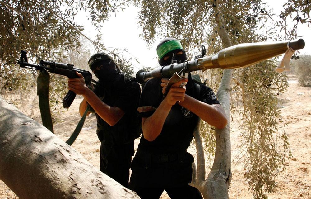 """بدء محاكمة 6 متهمين بالتدرب على أسلحة """"RBJ وBKC"""" بإيران والعراق"""