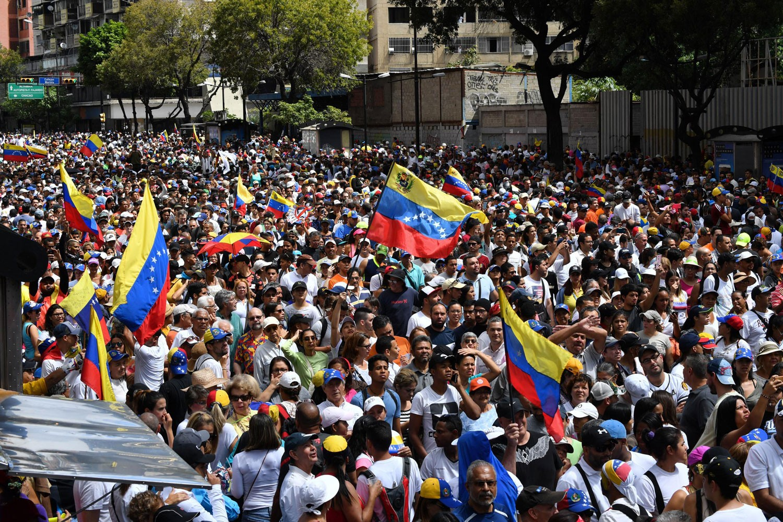 بالأرقام.. اقتصاد فنزويلا الذي خنق شعبها