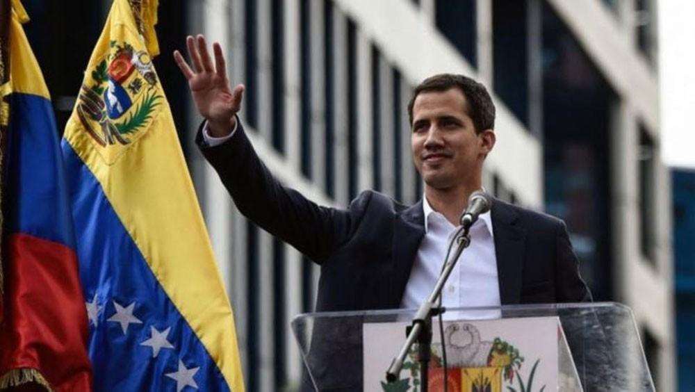 غوايدو لبريطانيا: لا تسلموا احتياطيات الذهب لمادورو