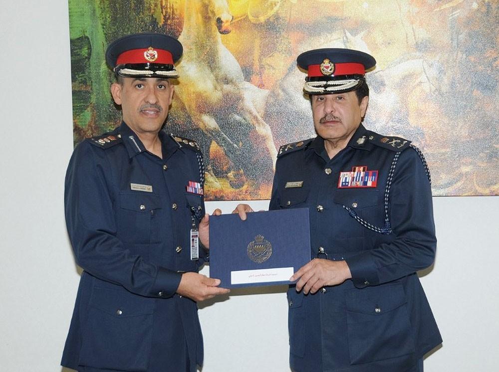 نائب المفتش العام يشيد بجهود مديرية شرطة المطار وإحرازها شهادة نظام إدارة الجودة