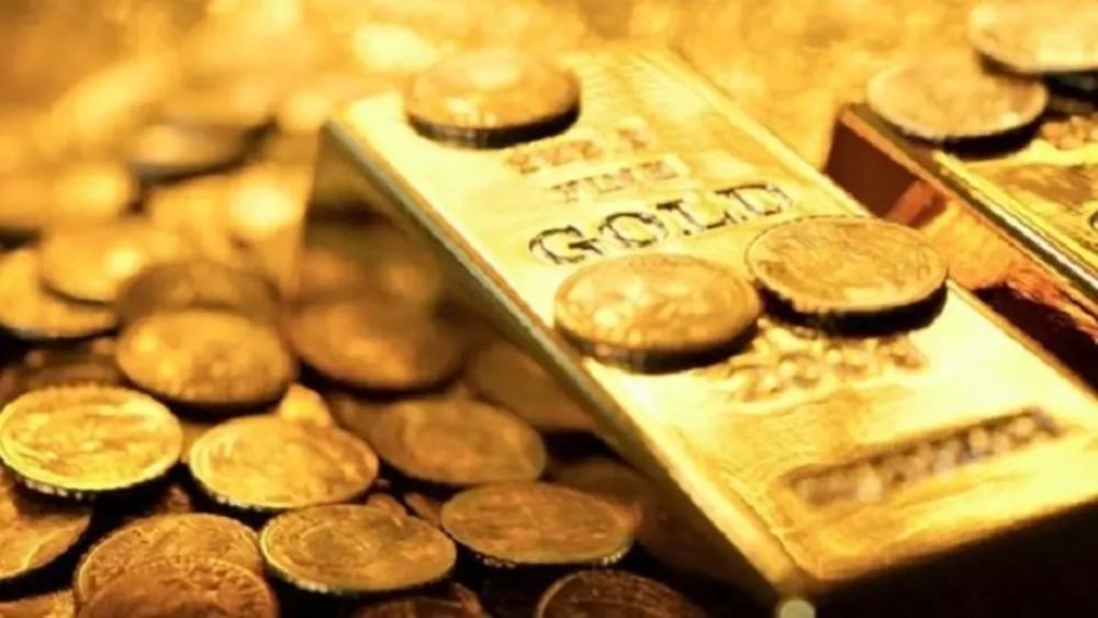 الذهب يخترق حاجز 1300 دولار لفترة وجيزة