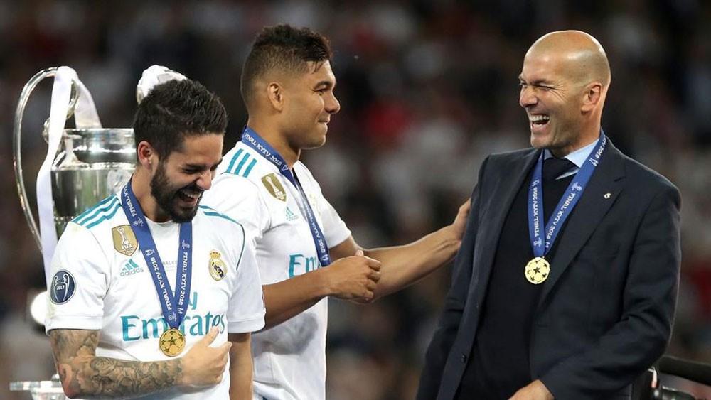 الفرنسي زيدان يعود إلى تدريب ريال مدريد