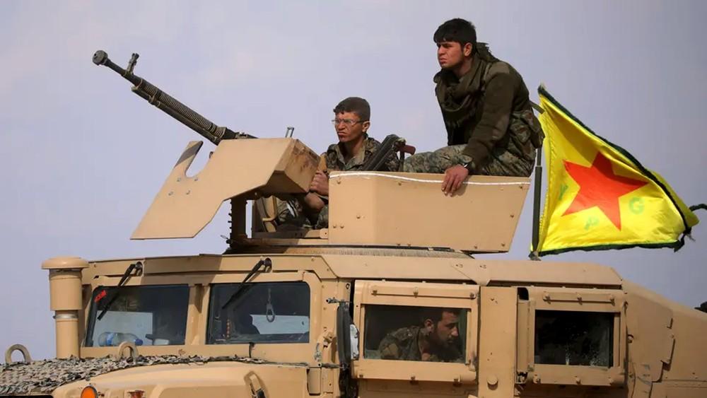 """الباغوز.. داعش يلجأ لانتحارييه وقادته هجروا """"الخلافة"""""""
