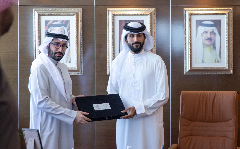 ناصر بن حمد يتسلم 212 توصية من قمة الرياضة ويوجه لتنفيذها
