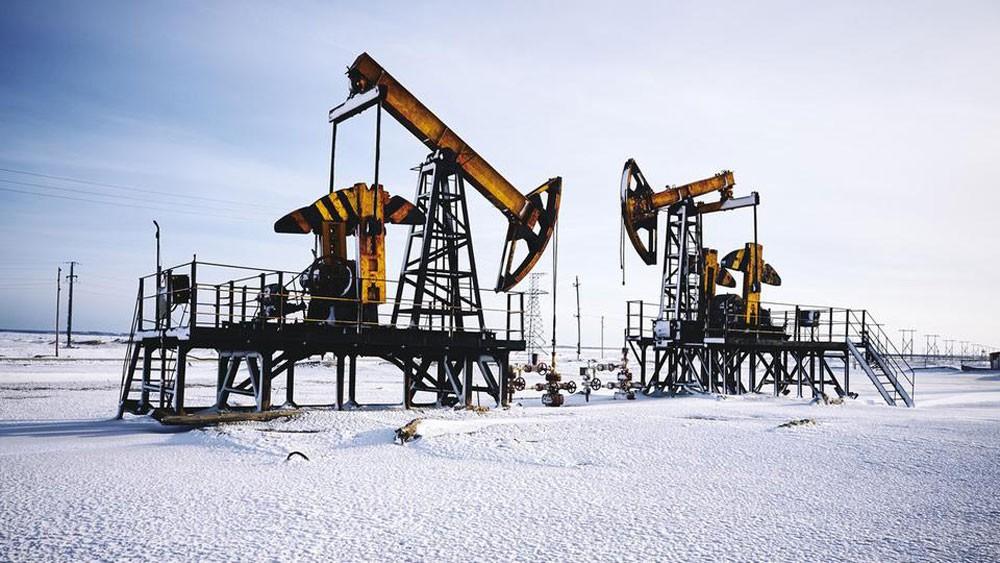 شركات نفط روسية تؤكد التزامها بخفض الإنتاج حتى يوليو