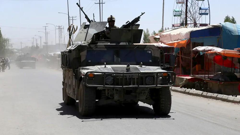 فقدان 100 عنصر من الأمن الأفغاني بعد معركة مع طالبان