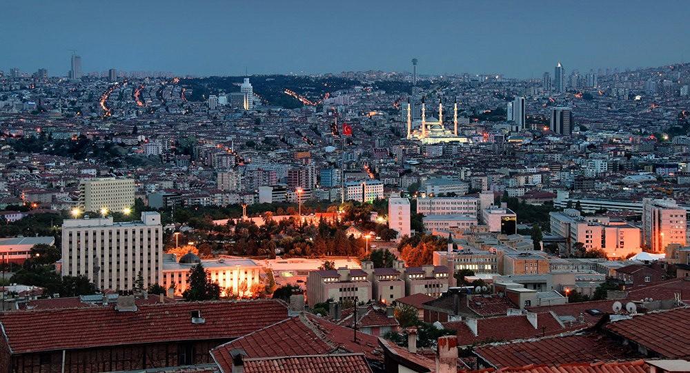 تركيا تقترض مليار دولار