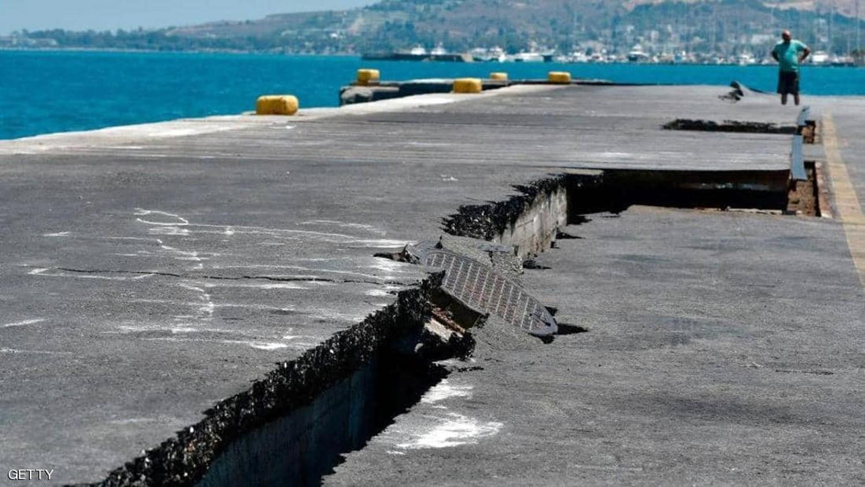 "زلزال قوي يضرب غرب تركيا.. وتباين بشأن ""درجته"""