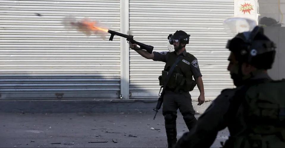 إسشتهاد فلسطيني وإصابة آخر بنيران الاحتلال بالضفة الغربية