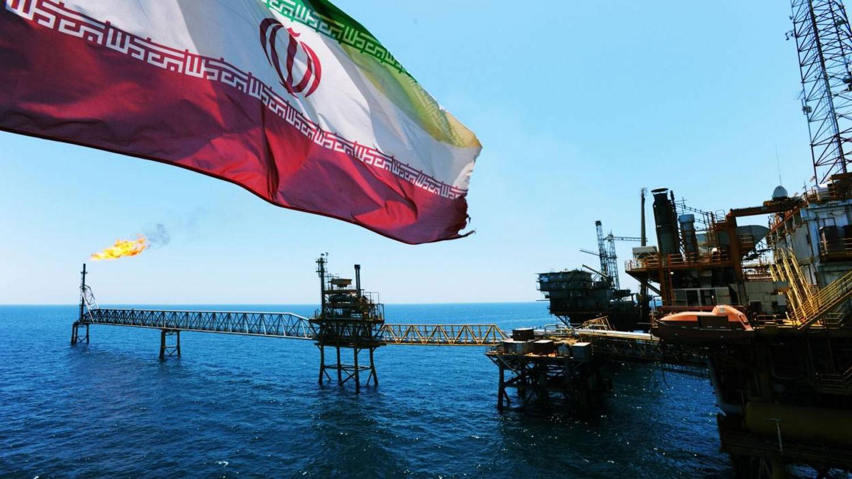 رويترز: إيران تُزوّر وثائق عراقية لتصدير النفط