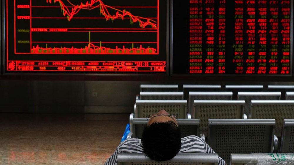 ما الذي يحدث في أسواق المال.. تصحيح أم بداية أزمة؟
