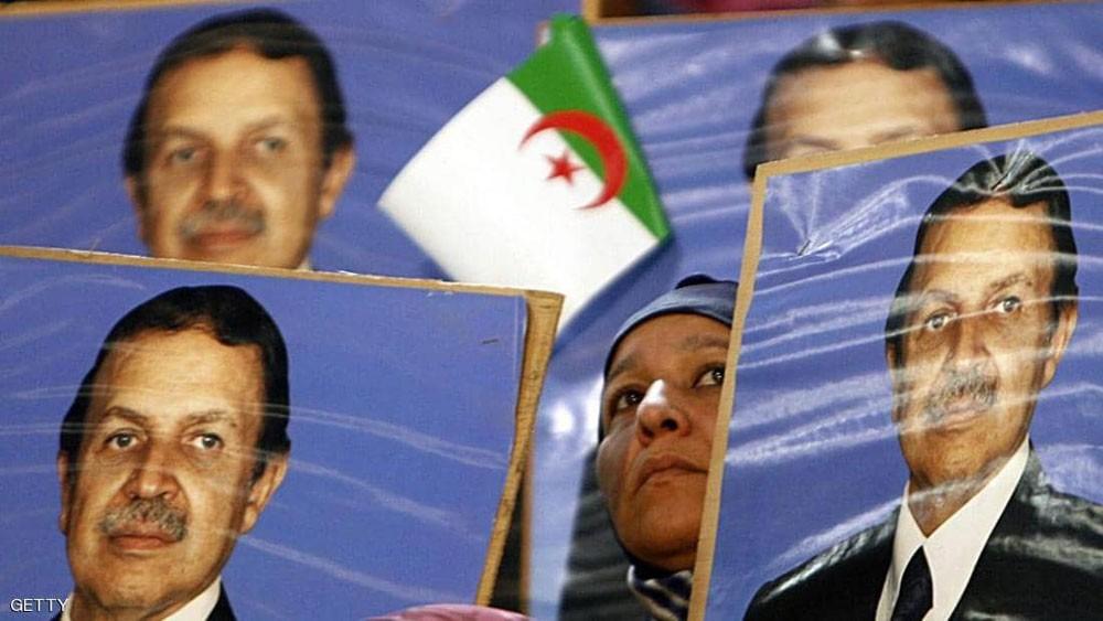 بعد تنحي بوتفليقة.. ماذا ينص الدستور الجزائري؟