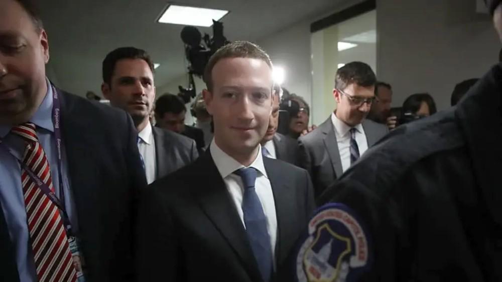 أكثر من 20 مليون دولار تعويض مؤسس فيسبوك لعام 2018