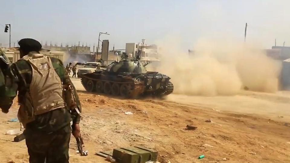 ليبيا.. الجيش يتقدم جنوب طرابلس ويقبض على مسلحين بغريان