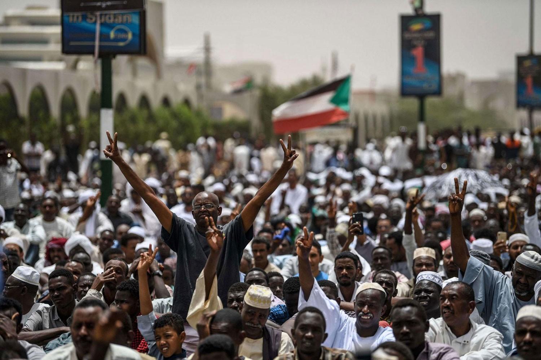 السودان.. أول اجتماع بين المجلس الانتقالي ولجنة التفاوض