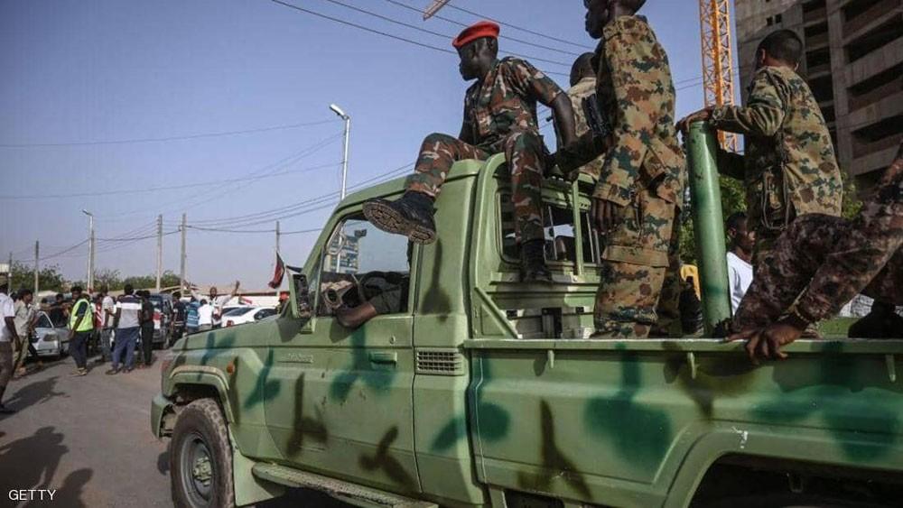 تجمع المهنيين السودانيين: الجيش يحاول فض الاعتصام