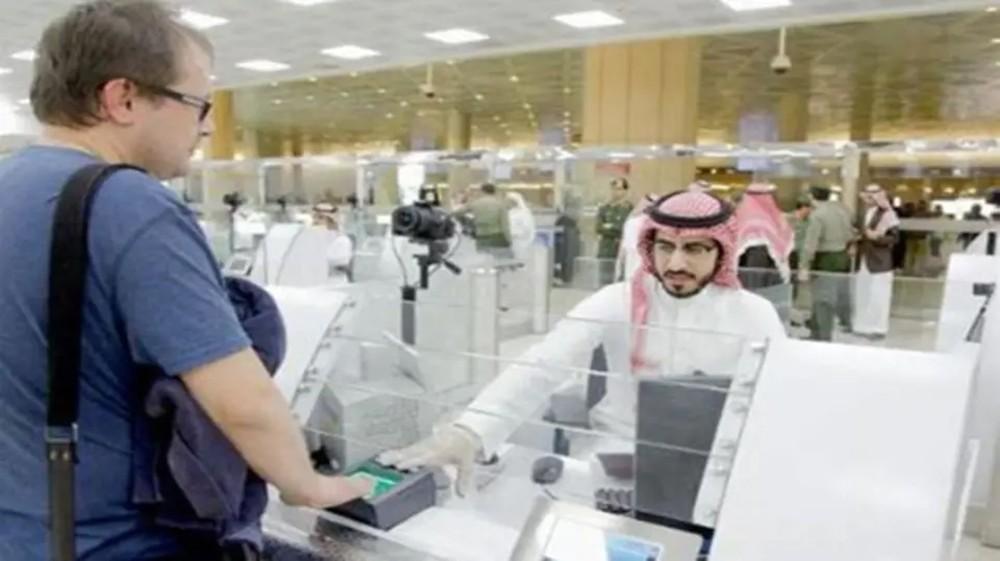 """السعودية.. أول """"إقامة مميزة"""" تلغي نظام الكفيل كلياً"""