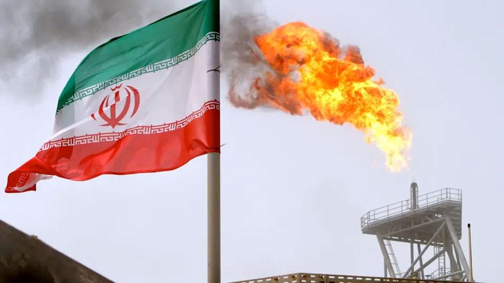 عملاق النفط الياباني يعوض خام إيران بإمدادات من السعودية