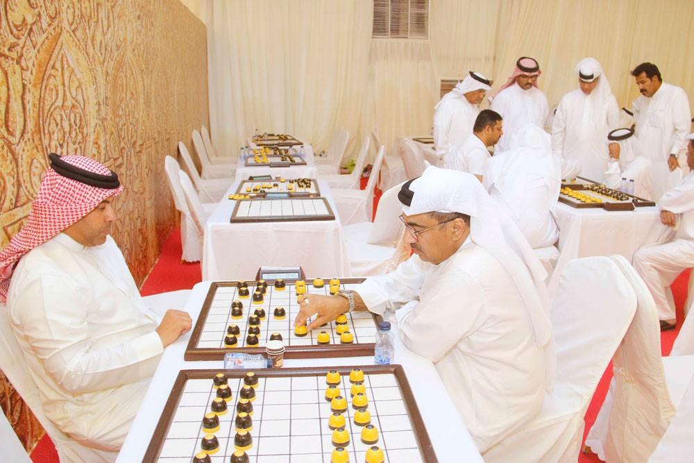 مهرجان ناصر بن حمد الرمضاني الشعبي يدخل الأدوار النهائية