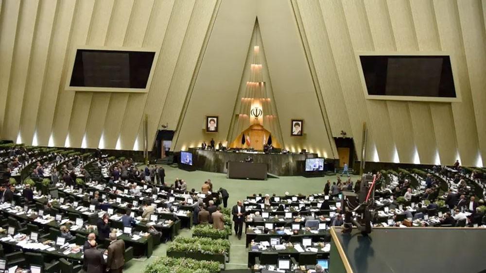 سجال في إيران.. بعد دعوة نائب لحوار مع أميركا في قطر