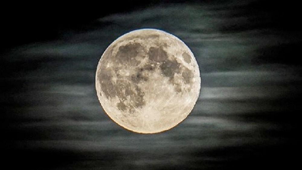 ناسا تبدأ التحضير لإرسال كبسولة مأهولة إلى القمر