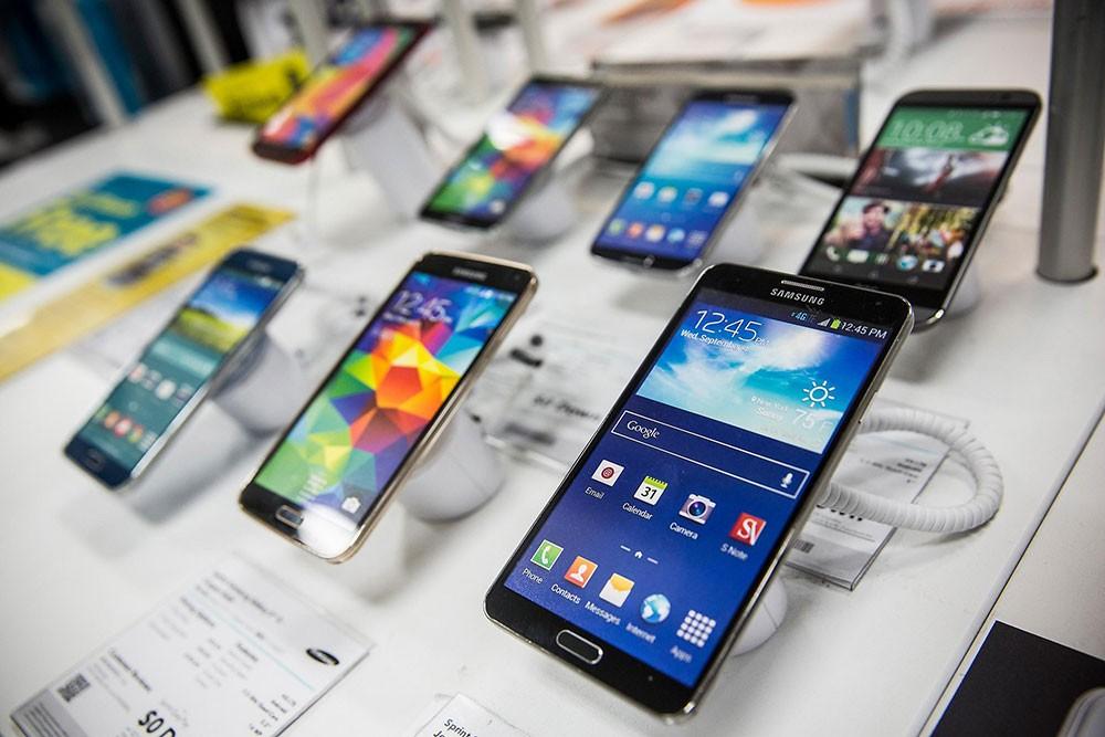 انخفاض المبيعات العالمية للهواتف الذكية بنسبة 2.7 بالمائة
