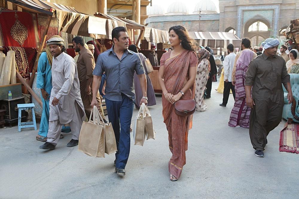 """سلمان خان وكاترينا كايف في موقع تصوير """"بهارات"""" بأبوظبي"""