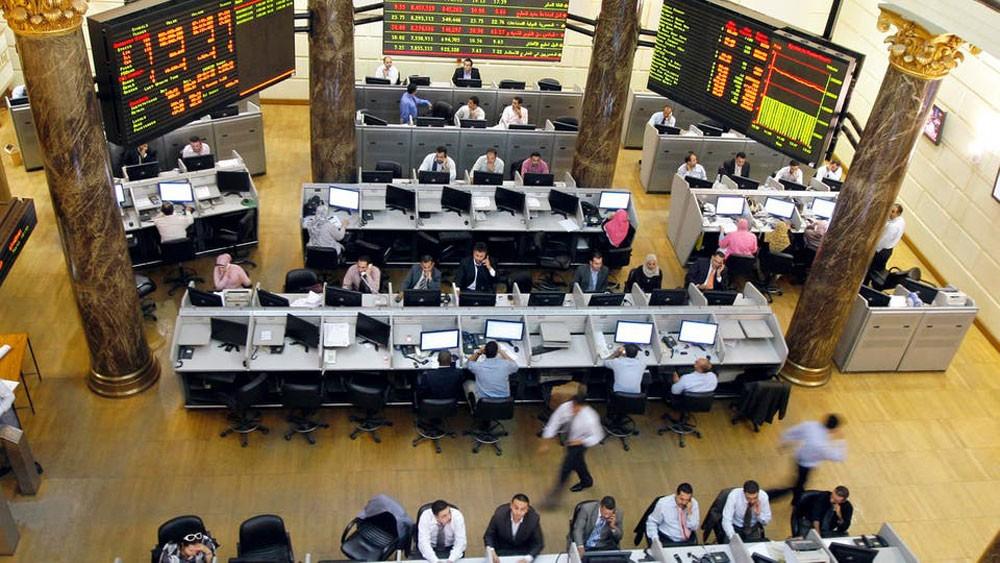 بورصة مصر تتكبد 63 مليار جنيه وتفقد 1149 نقطة في مايو
