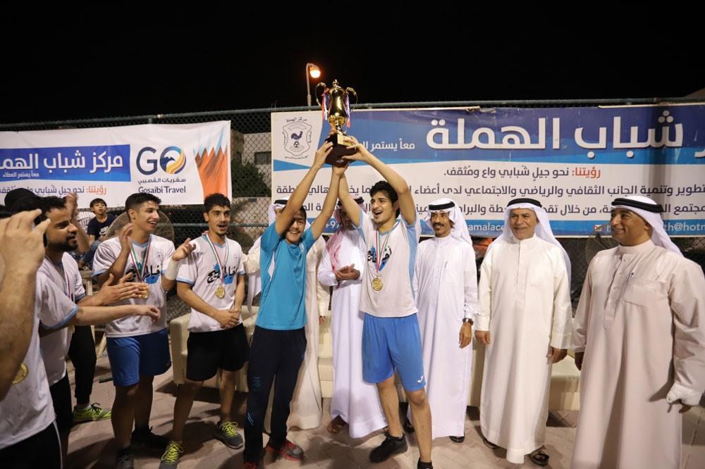 أخبار الخليج يتوج بطلا لدورة كرة الطائرة بمركز شباب الهملة