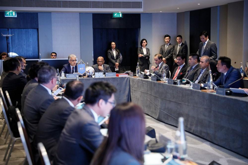 سلمان بن ابراهيم يؤكد اهمية تعزيز الشراكة مع  الإتحادات الإقليمية