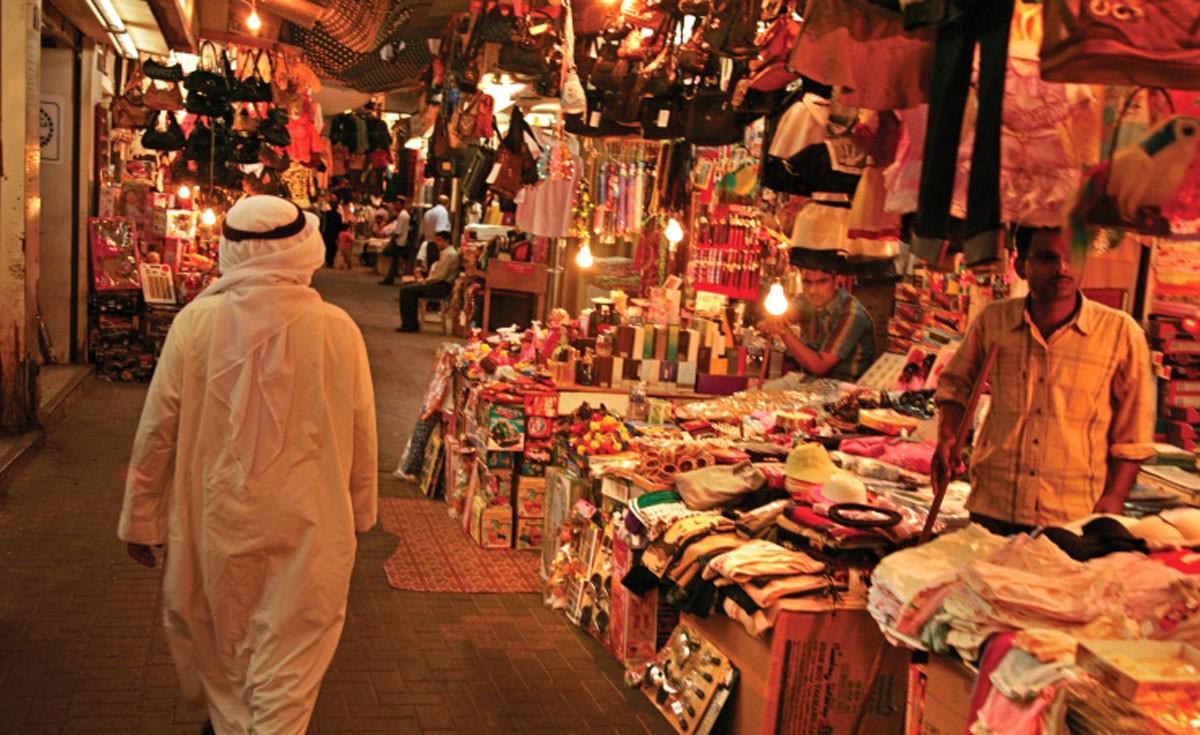 تجار: تنامي الحركة التجارية قبيل العيد