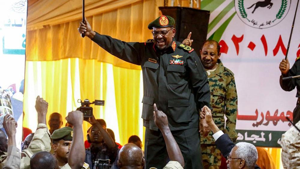 السودان.. إحباط محاولة لتحرير البشير ورموزه من سجن كوبر