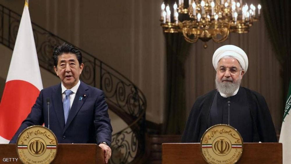 """رئيس وزراء اليابان يدعو إيران """"للقيام بدور بناء"""" في المنطقة"""
