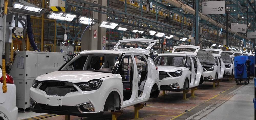 تراجع صادرات السيارات الصينية في النصف الأول من العام الجاري بنسبة 4.9 بالمئة