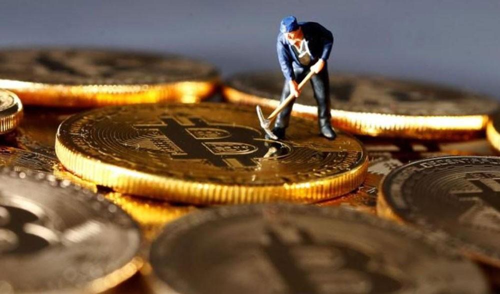 عملة Bitcoin تقفز لأعلى مستوى في 18 شهرا