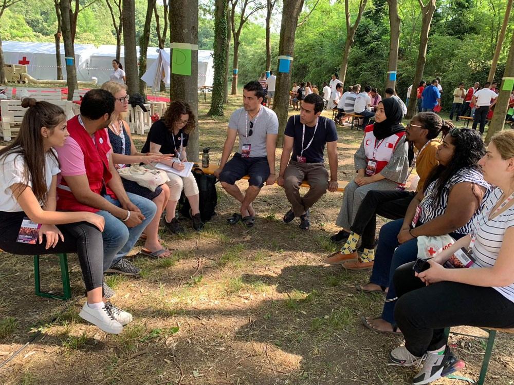 الهلال الأحمر البحريني يوفد متطوعيه لمخيم تدريبي في إيطاليا