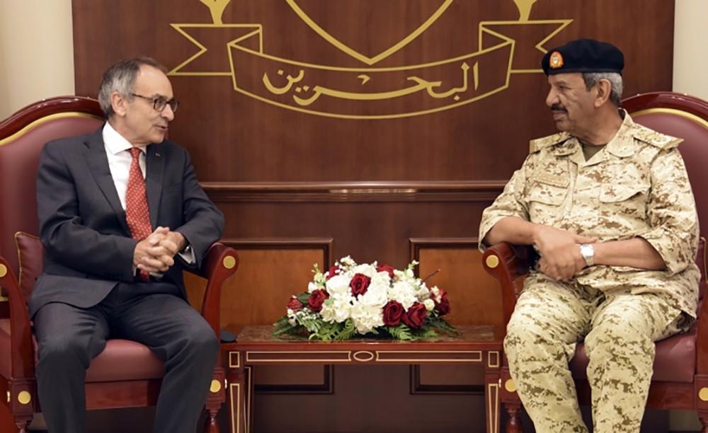 القائد العام يستقبل سفير المملكة المتحدة بمناسبة انتهاء فترة عمله