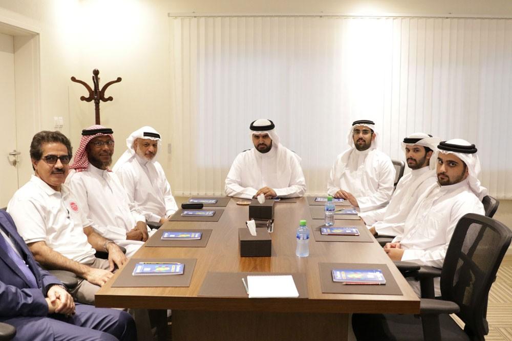 سمو الشيخ عيسى بن علي يستقبل اللجنة الفنية باتحاد السلة