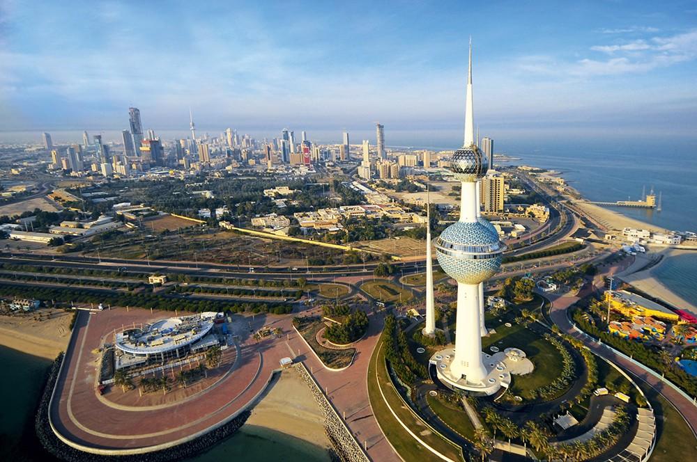 الكويت: تتابع بقلق بالغ تسارع وتيرة التصعيد في المنطقة