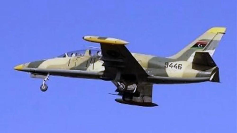 """الجيش الليبي يقصف """"الوفاق"""" في غريان.. ويدمر مخازن أسلحة"""