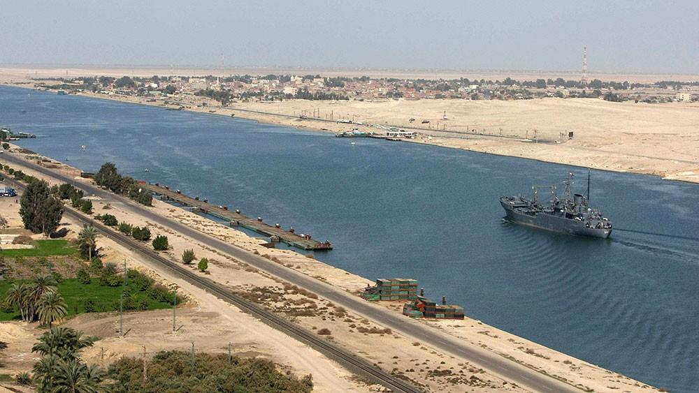 ارتفاع إيرادات قناة السويس إلى 5.9 مليار دولار