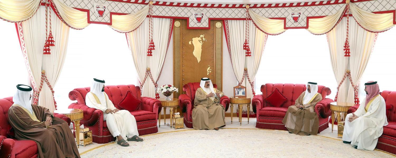 جلالة الملك يشيد بخطة العمل الرامية للارتقاء بالقطاعين الشبابي والرياضي