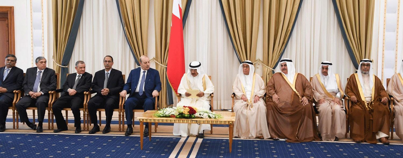 سمو رئيس الوزراء يدعو الى تعزيز جهود المجتمع الدولي من أجل إرساء أسس السلام