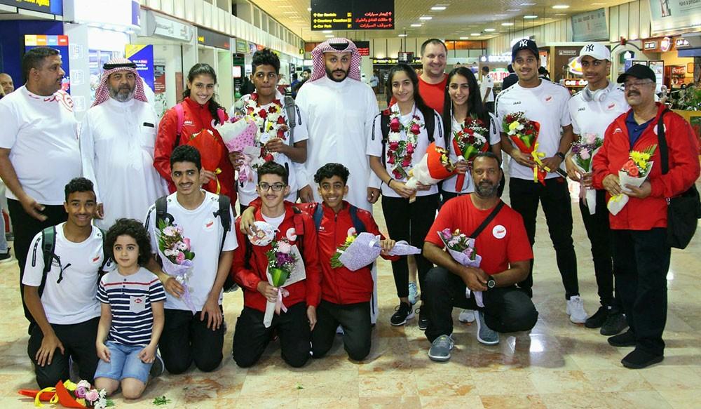 عودة أبطال البحرين للسباحة