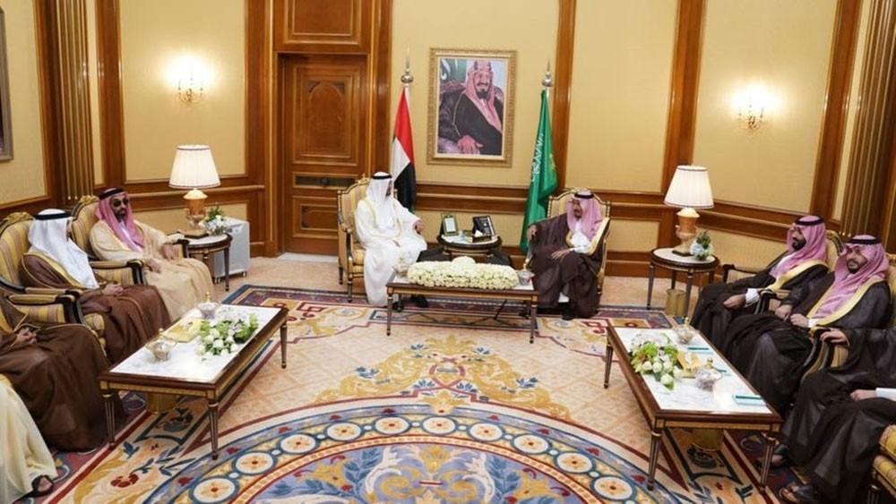 الملك سلمان ومحمد بن زايد ناقشا الأوضاع على الساحة اليمنية
