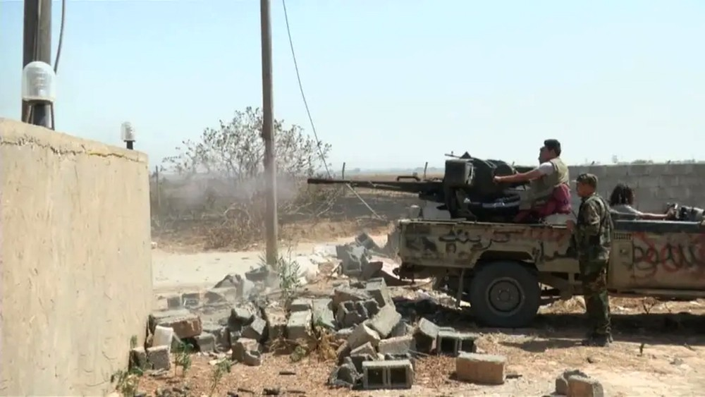 """الجيش الليبي يسيطر على الهيرة بطرابلس.. و""""الوفاق"""" تنسحب"""