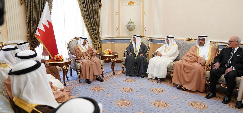 سمو رئيس الوزراء يؤكد حرص الحكومة على تقديم التسهيلات لدفع عجلة النمو الاقتصادي